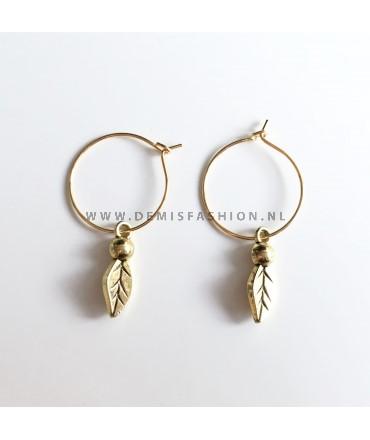 Blad oorbellen goudkleurig