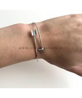 Arrow armband zilverkleurig