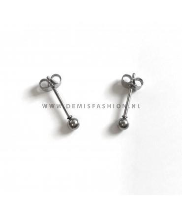 Zilverkleurige knopjes oorbellen 3mm