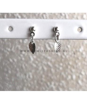 Zilverkleurige blad knopjes