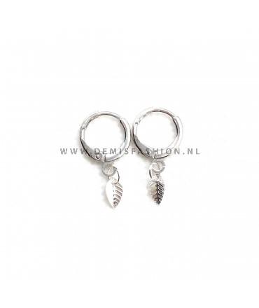 Zilverkleurige ringetjes blad oorbellen