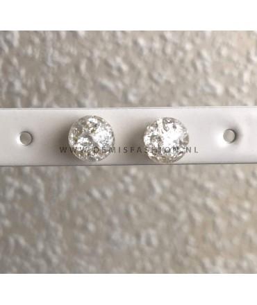 Witte bolletjes oorbellen