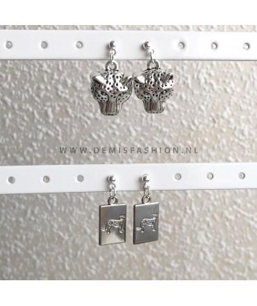 Zilverkleurige safari oorbellen set