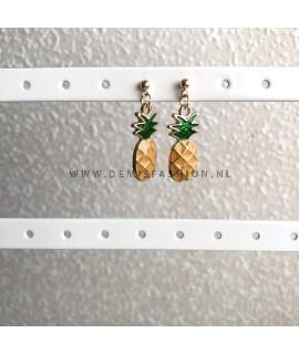 Goudkleurige ananas knopjes