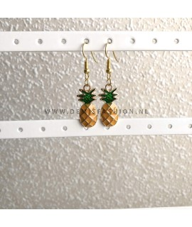 Goudkleurige ananas hangertjes