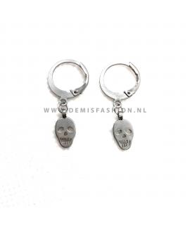 Zilverkleurige skull oorbellen