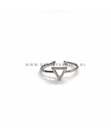 Zilverkleurige driehoek ring