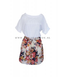 Witte bloemen jurk