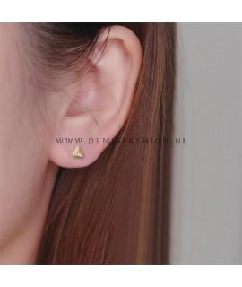 Goudkleurige driehoek oorbellen small