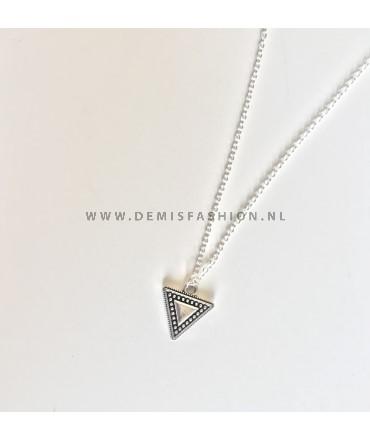 Driehoek ketting zilverkleurig